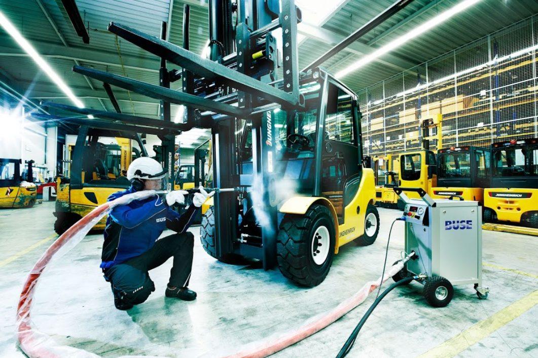 Βιομηχανικός καθαρισμός - Dry Ice Creation